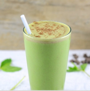 Healthy thin mint smoothie